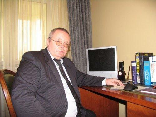 Адвокат Макаров